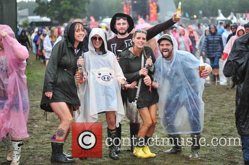 V Festival and Atmosphere 1