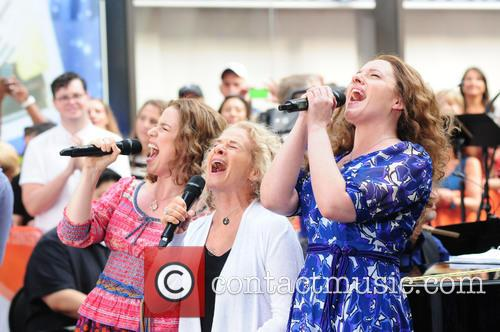Abby Mueller, Carole King and Chilina Kennedy 8