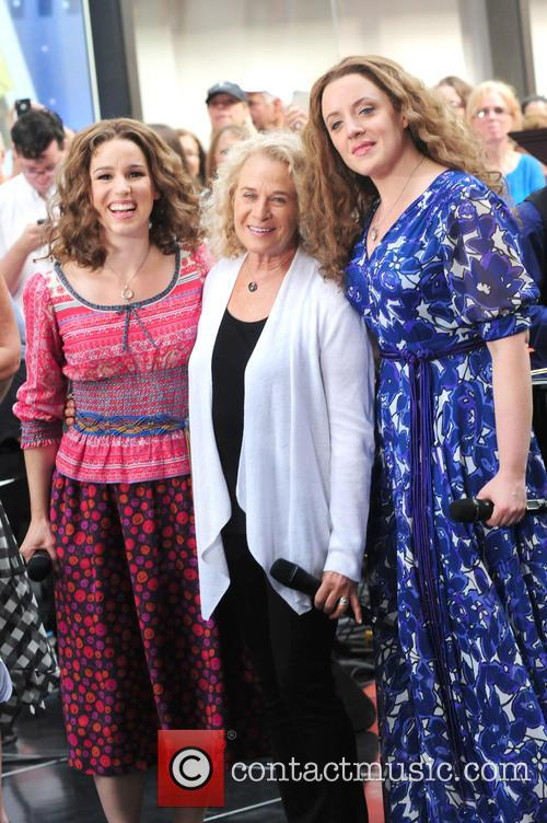 Abby Mueller, Carole King and Chilina Kennedy 11