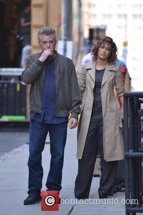 Ray Liotta and Jennifer Lopez 5
