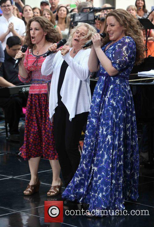 Chilina Kennedy, Carol King and Abby Mueller 3