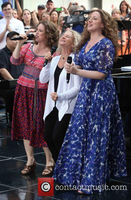 Chilina Kennedy, Carol King and Abby Mueller 5