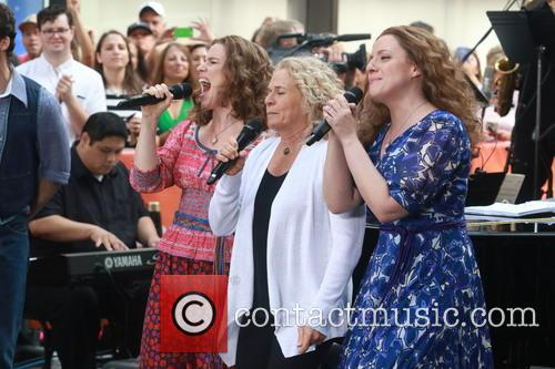 Carole King, Chilina Kennedy and Abby Mueller 2