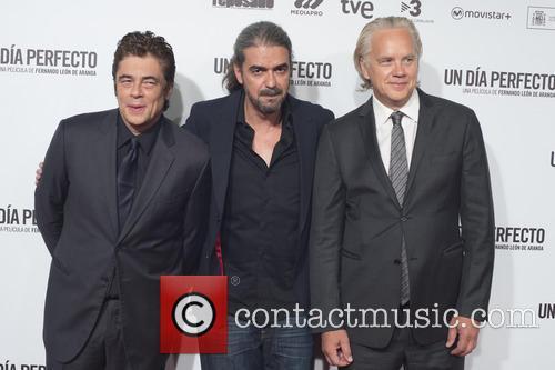 Benicio Del Toro, Fernando Leon De Aranoa and Tim Robbins 1