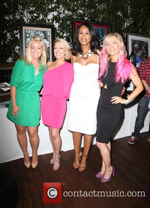 Kelley Whitis, Amanda Whitis, Beverly Johnson and Summer Harlow 2