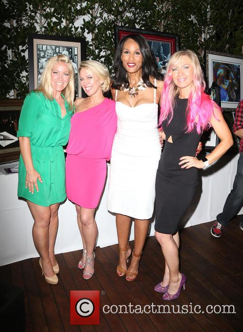 Kelley Whitis, Amanda Whitis, Beverly Johnson and Summer Harlow 3