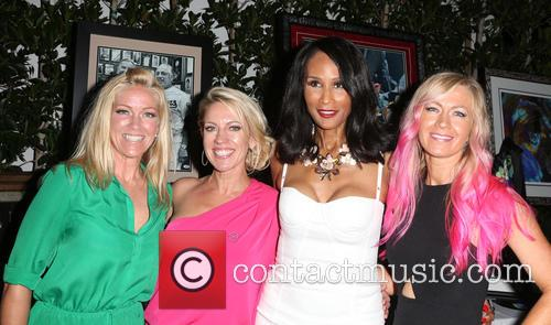 Kelley Whitis, Amanda Whitis, Beverly Johnson and Summer Harlow 1