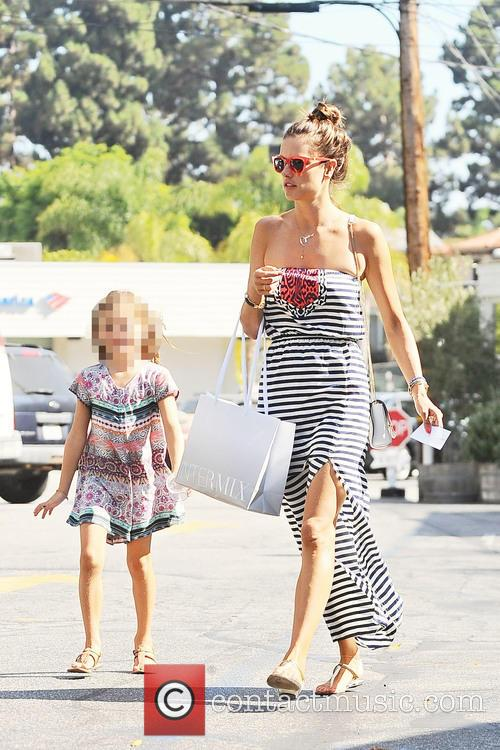 Alessandra Ambrosio shopping witn her daughter