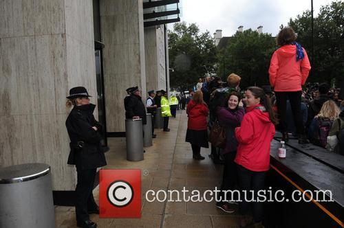 Atmosphere and Met Police 1