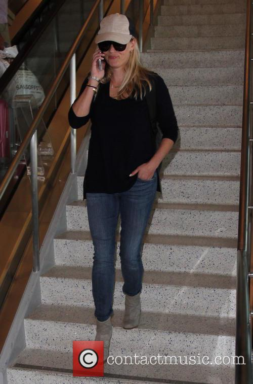 Reese Witherspoon at Los Angeles International (LAX) airport