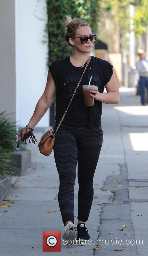 Hilary Duff arriving at a gym