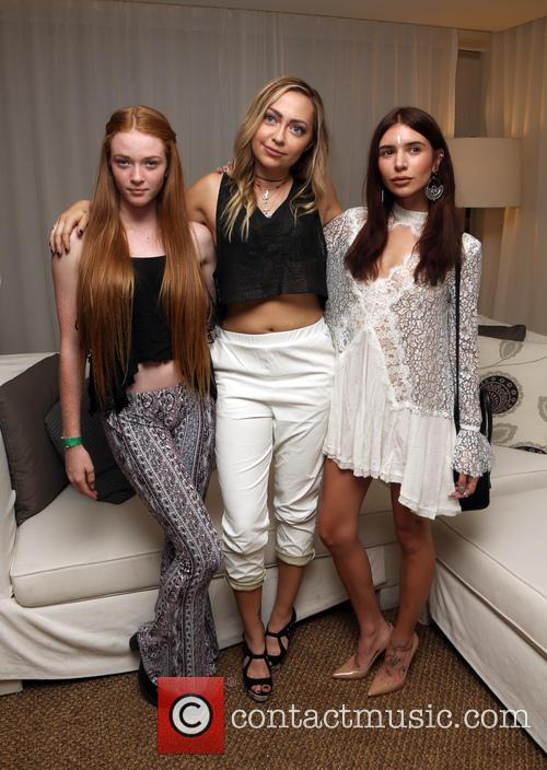 Larsen Thompson, Brandi Cyrus and Jill Wallace 2