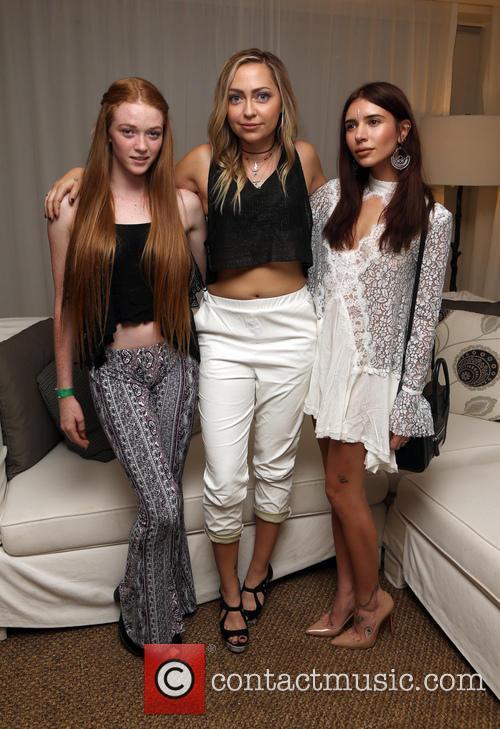 Larsen Thompson, Brandi Cyrus and Jill Wallace 1
