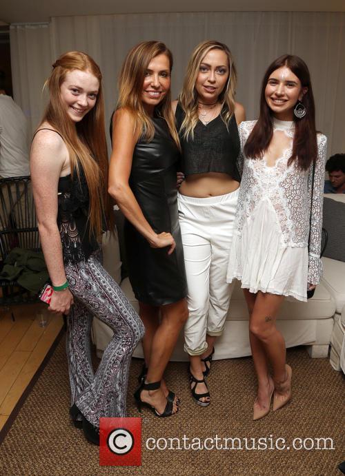 Larsen Thompson, Jaclynn Jarrett, Brandi Cyrus and Jill Wallace 3
