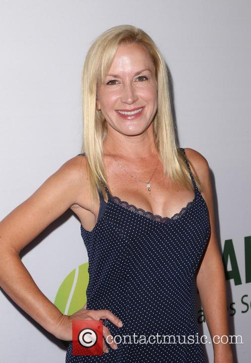 Angela Kinsey 6