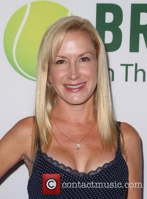 Angela Kinsey 11