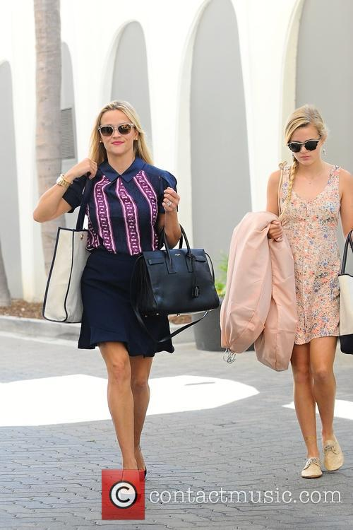 Reese Witherspoon and Ava Elizabeth Phillippe 2