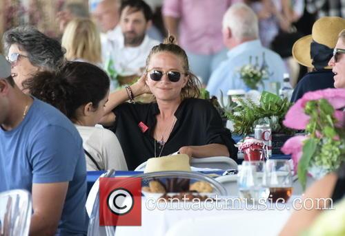 Mary Kate Olsen 2