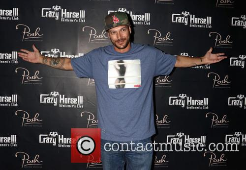 Kevin Federline hosts his Fantasy Football Draft Party...