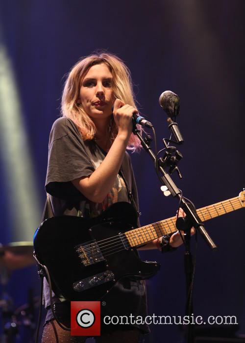Wolf Alice and Ellie Rowsell 3