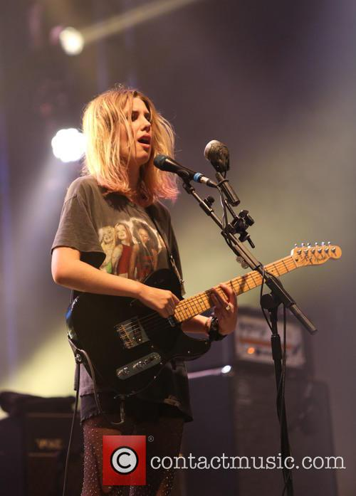 Wolf Alice and Ellie Rowsell 5