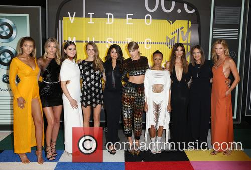 Gigi Hadid, Martha Hunt, Hailee Steinfeld, Cara Delevingne, Selena Gomez, Taylor Swift, Serayah Mcneill, Mariska Hargitay, Lily Aldridge and Karlie Kloss 3