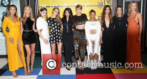 Gigi Hadid, Martha Hunt, Hailee Steinfeld, Cara Delevingne, Selena Gomez, Taylor Swift, Serayah Mcneill, Mariska Hargitay, Lily Aldridge and Karlie Kloss 1