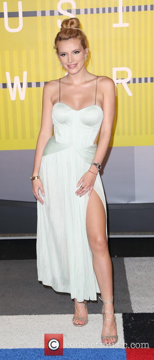Bella Thorne 2