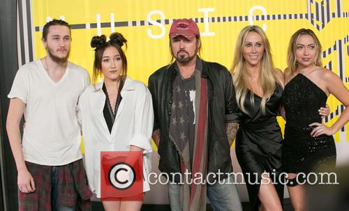 Braison Cyrus, Noah Cyrus, Billy Ray Cyrus, Tish Cyrus and Brandi Glenn Cyrus 1