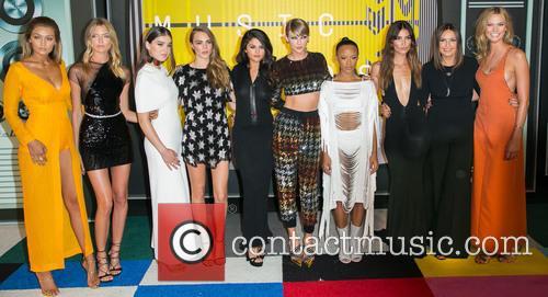Gigi Hadid, Actress Serayah, Martha Hunt, Hailee Steinfeld, Cara Delevingne, Gomez, Taylor Swift, Mariska Hargitay, Lily Aldridge and Karlie Kloss 4