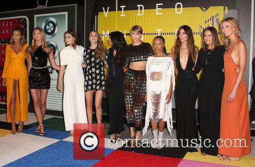 Cara Delevingne, Selena Gomez, Taylor Swift, Serayah, Mariska Hargitay, Karlie Kloss, Lily Aldridge, Hailee Steinfeld, Gigi Hadid and Martha Hunt 2