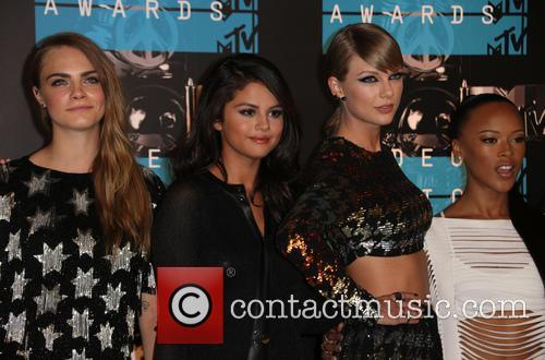 Cara Delevingne, Selena Gomez, Taylor Swift and Serayah 1