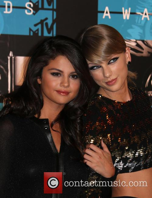 Selena Gomez and Taylor Swift 3