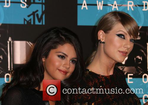 Selena Gomez and Taylor Swift 1