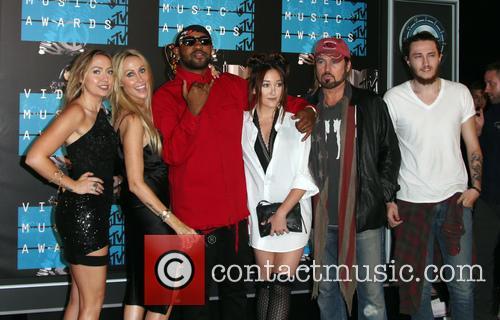 Braison Cyrus, Noah Cyrus, Billy Ray Cryus, Tish Cyrus, Brandi Cyrus and Mike Will Made It 2