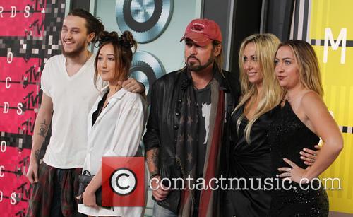 Braison Cyrus, Noah Cyrus, Billy Ray Cyrus, Tish Cyrus and Brandi Cyrus 4