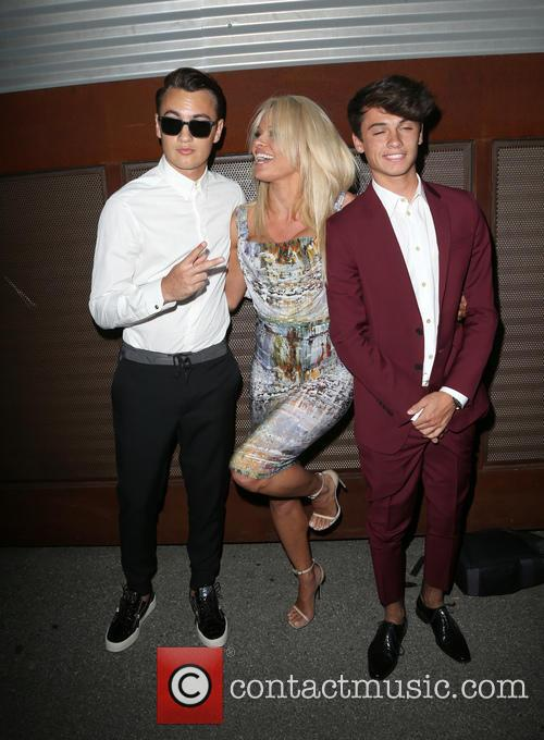 Brandon Thomas Lee, Pamela Anderson and Dylan Jagger Lee 5