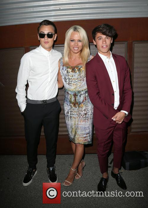 Brandon Thomas Lee, Pamela Anderson and Dylan Jagger Lee 8