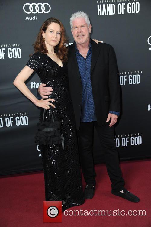 Linda Gegusch and Ron Perlman 3