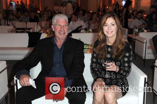 Ron Perlman and Dana Delany 2