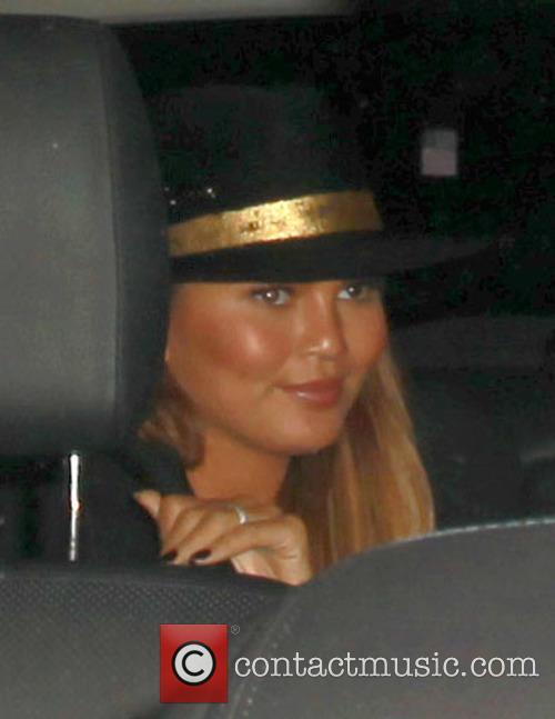 Chrissy Teigen 7