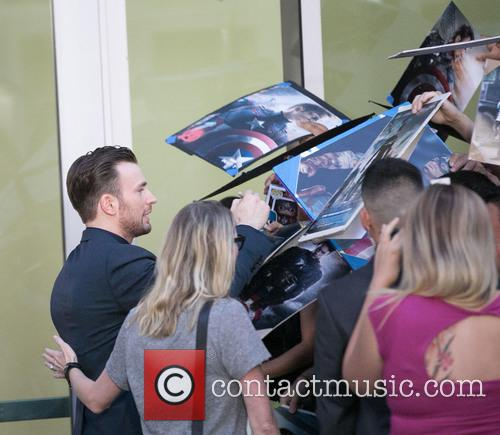 Chris Evans and Fans 2