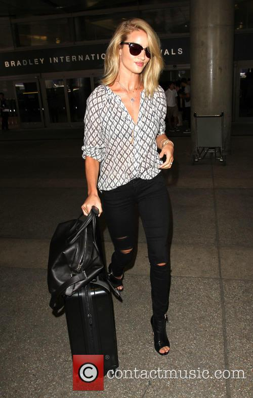 Rosie Huntington-Whiteley arriving at LAX
