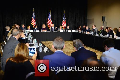 Bruce Levy, Jane Levy, Rabbi Jonathan Berkun, Rep. Debbie Wasserman Shultz, Vice President Joe Biden, Debby Eisinger, Rabbi Bennett Greenspon and Jenny Enslein