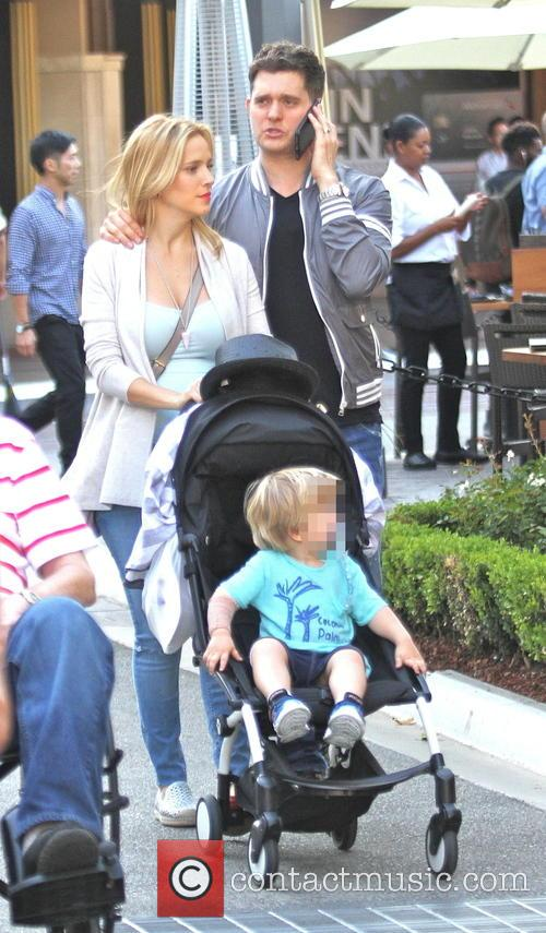 Michael Buble, Luisana Lopilato and Noah Buble 7