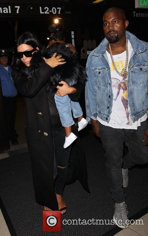 Kim Kardashian, Kanye West and North West 5