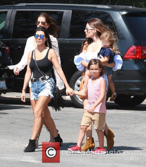 Kourtney Kardashian, Mason Dash Disick and Penelope Scotland Disick 4