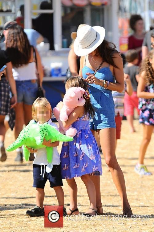 Alessandra Ambrosio takes her children to the Malibu...