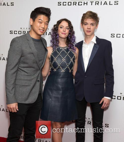 Ki Hong Lee, Kaya Scodelario and Thomas Brodie-sangster 1