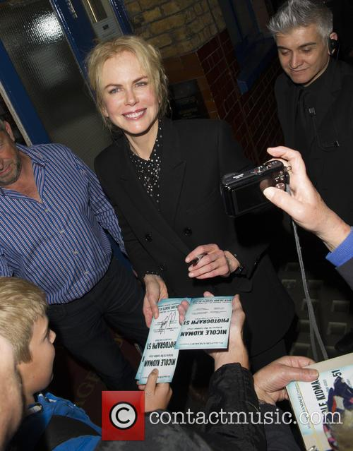 Nicole Kidman leaving her theatre after a performance